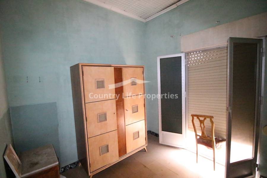 Resale - Village House - Dolores - Town