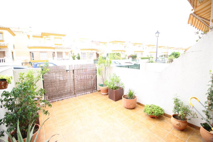 Resale - Townhouse - Daya Nueva - Town